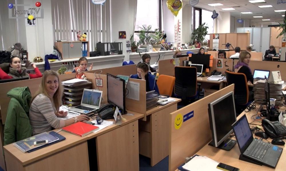 Бурный старт и последующее развитие социальных сетей в России