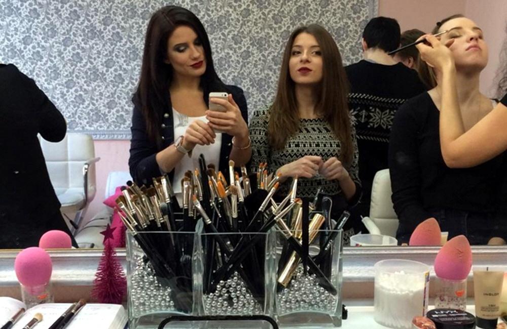 Как заработать на курсах макияжа