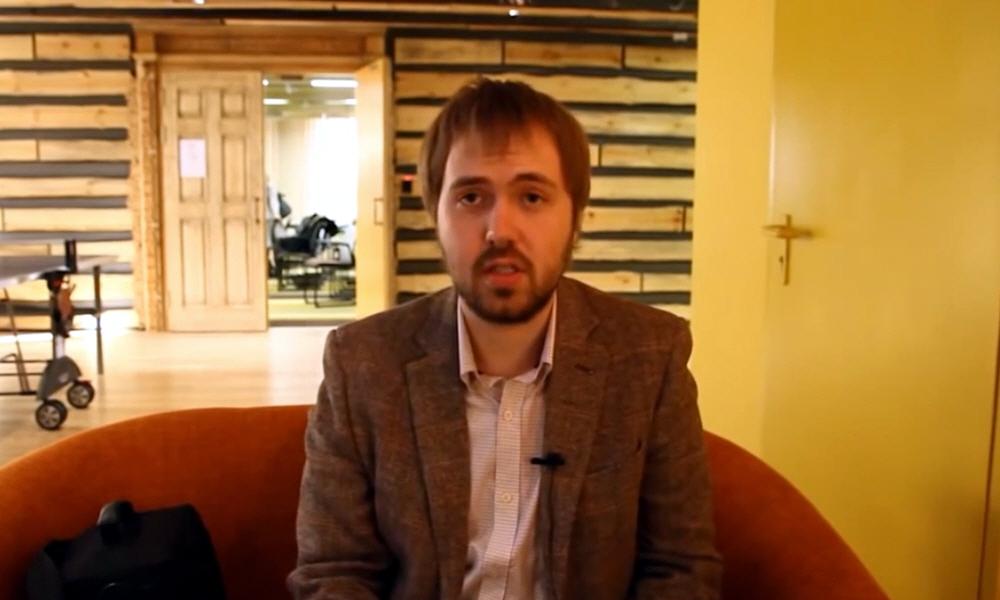 Валентин Петухов - создатель и ведущий популярного видео блога WYLSACOM