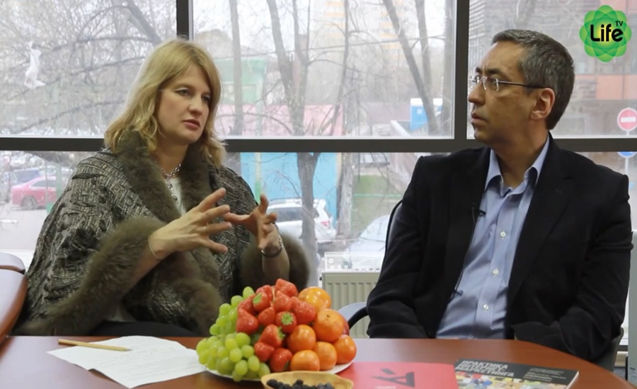 Игорь Ашманов и Наталья Касперская в программе LifeTV