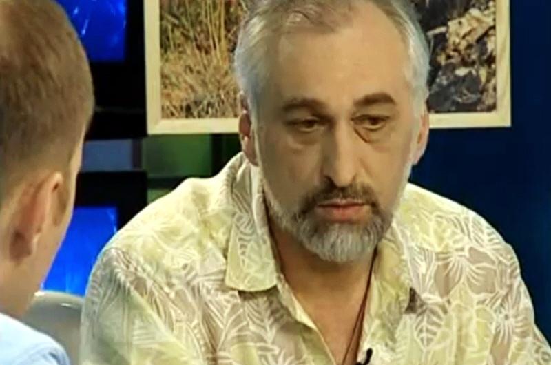 Александр Нартов - владелец галереи студии Кварцевой живописи