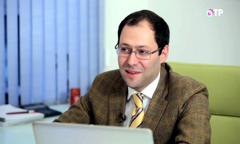 Платформа онлайн обучения UNIWEB Александр Оганов