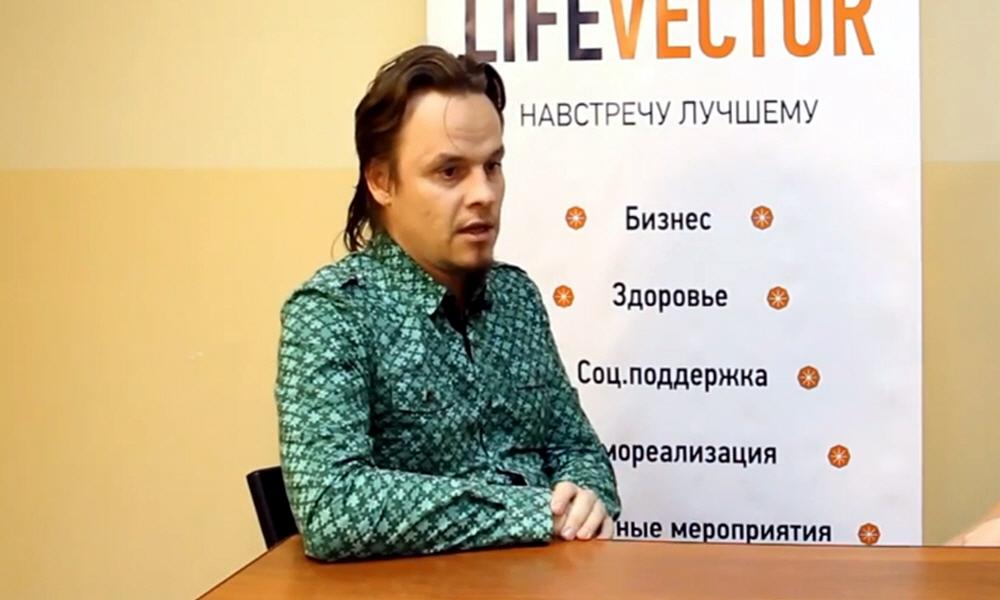 Сергей Бурмистров владелец дизайн-студии БУРМИСТРОВ