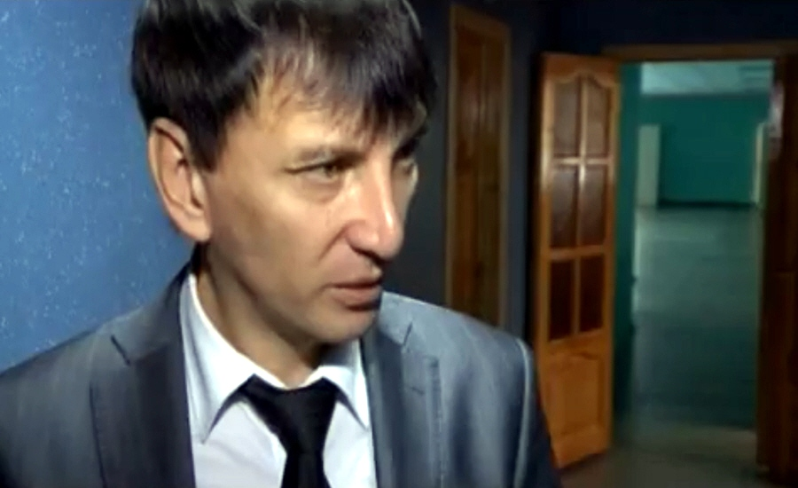 Ахтам Чугалаев директор ижевской средней общеобразовательной школы №97 на телеканале ТНТ
