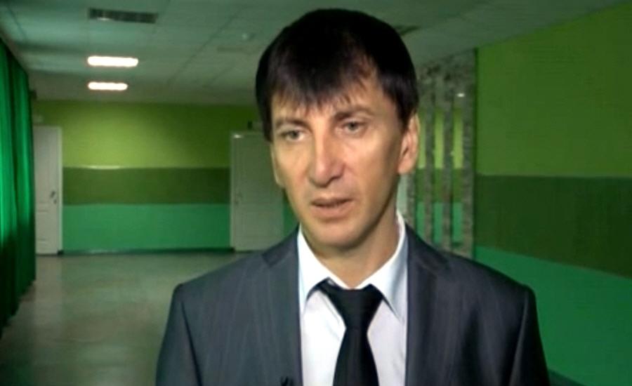 Ахтам Чугалаев победитель конкурса Директор школы 2010