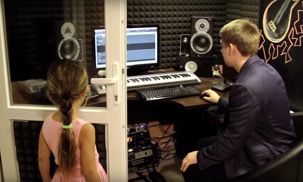 Два основных источника прибыли студии звукозаписи