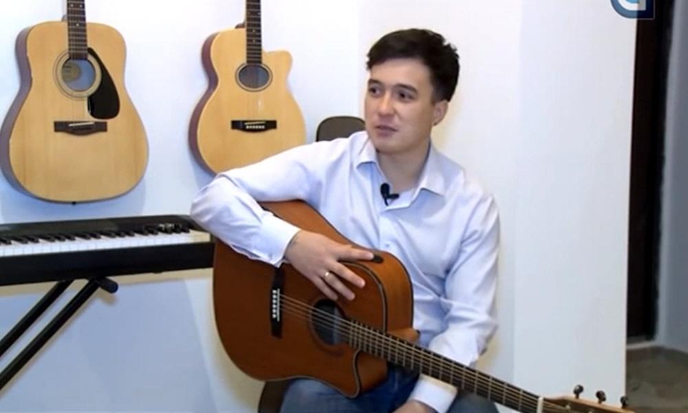Владимир Суранов - преподаватель игры на гитаре