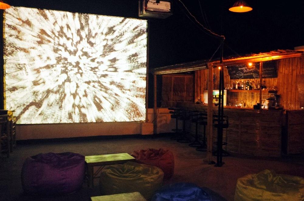Коктейльный бар и кинотеатр на крыше на острове Самуи