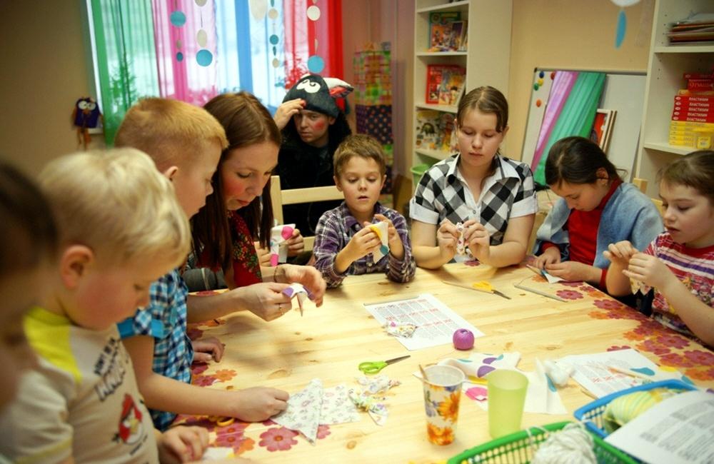 Обучение детей в детском клубе