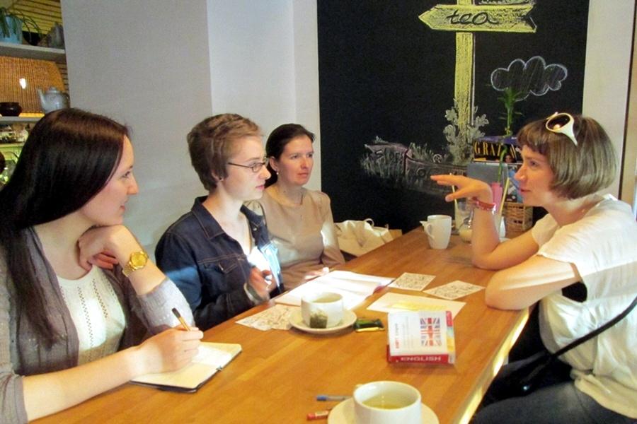 Обучение иностранному языку в разговорном клубе