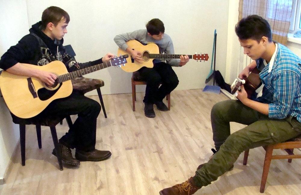 Преподавание игры на гитаре